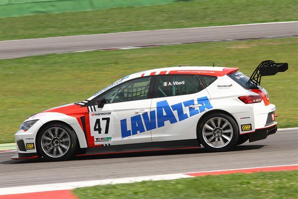 Viberti è il più veloce in pista durante le prove di venerdì 10 giugno.