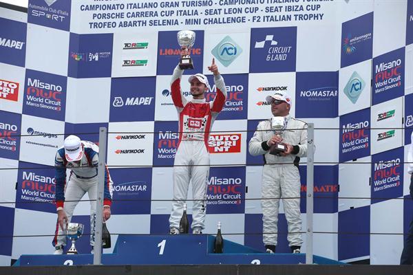 Viberti trionfa in gara 2 del Campionato Italiano Turismo
