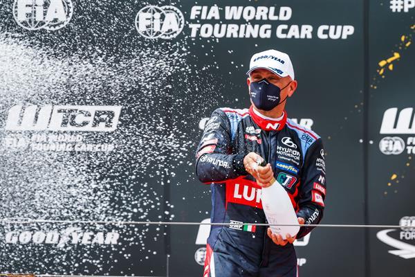 Vittoria di BRC Racing Team alla WTCR Race of Spain